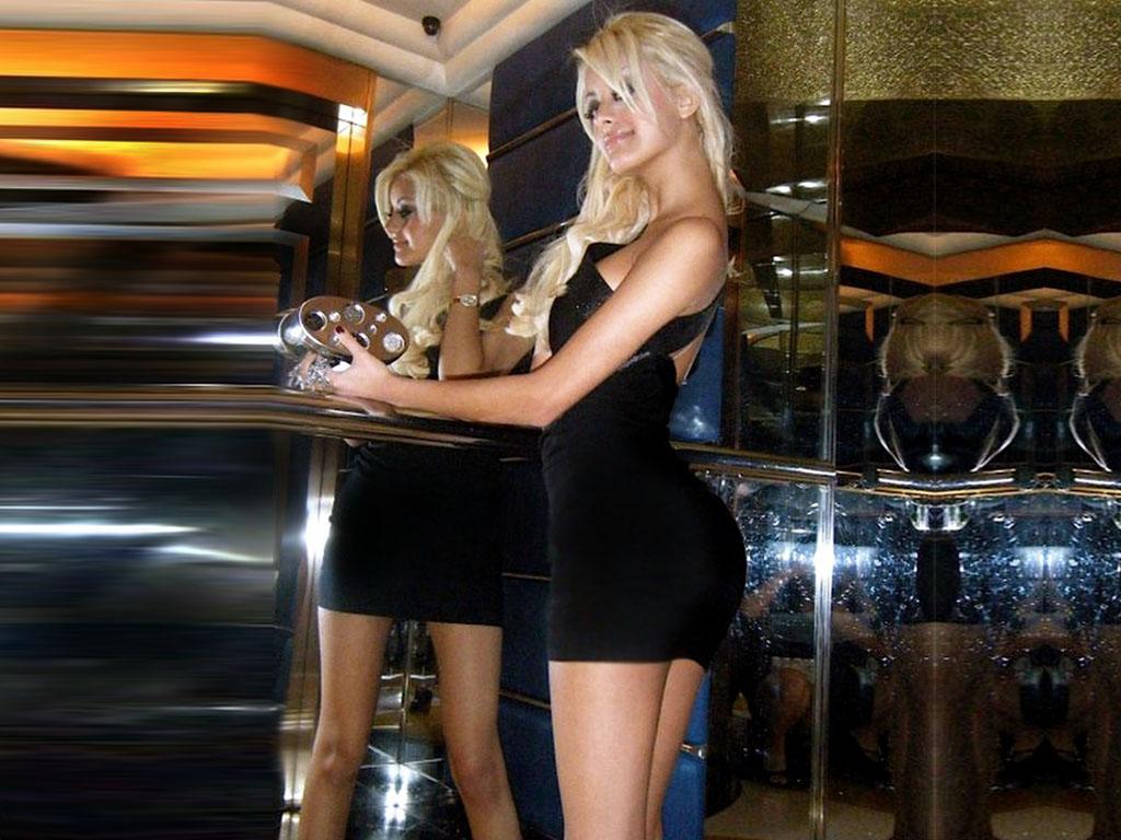 Hot Sexy Porn Alopo: Zahia Dehar Hot Sex Worker