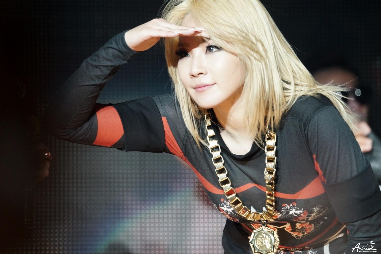 2NE1s CL has her sights set on the US!   SBS PopAsia