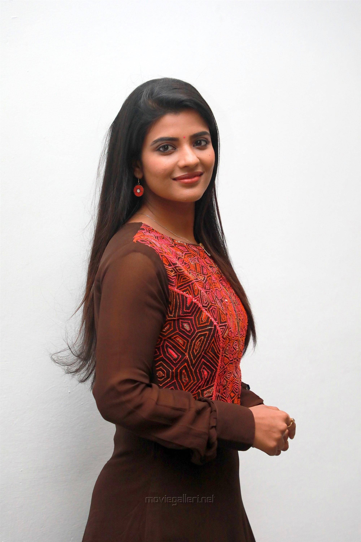Kanaa Movie Actress Aishwarya Rajesh HD Pictures
