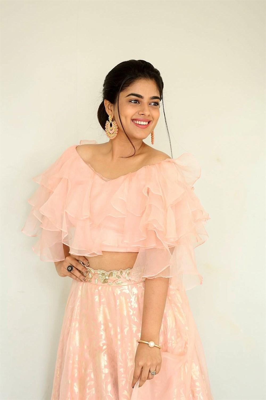 Anukunnadi Okati Ayinadi Okati Actress Siddhi Idnani New Images