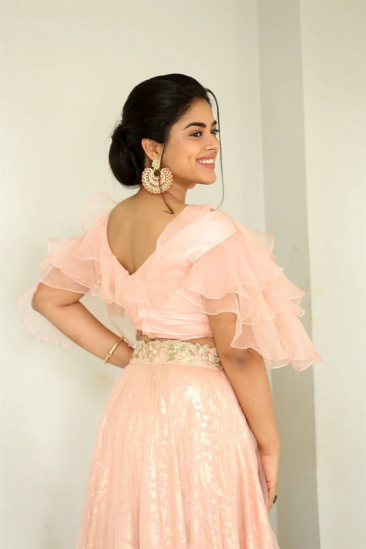 Actress Siddhi Idnani Images taken at Anukunnadi Okati Ayinadi Okati Movie Press Meet